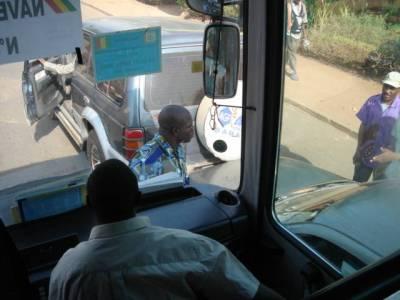 Kun menimme bussilla kokouspaikalle, matkalla sattui kolari