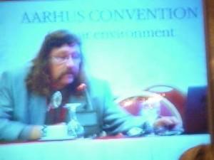Kokouksen friikein puhuja, tsekkiläinen Århus-guru