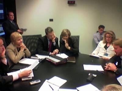 Tänään pidimme myös Kokoomuksen meppidelegaation kokouksen. Vasemmalta puolikas Ville, Piitu, Alex, minä, sekä virkamiehet Taina ja Jari.