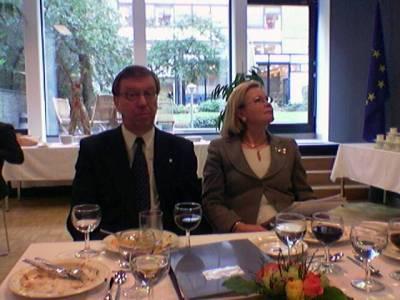 Suomen EU-edustuston lounaalla ministerit Rajamäki ja Luhtanen